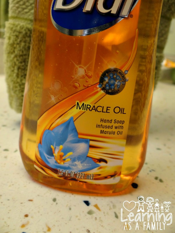 Dial Miracle Oil Hand Soap Marula Oil Photo