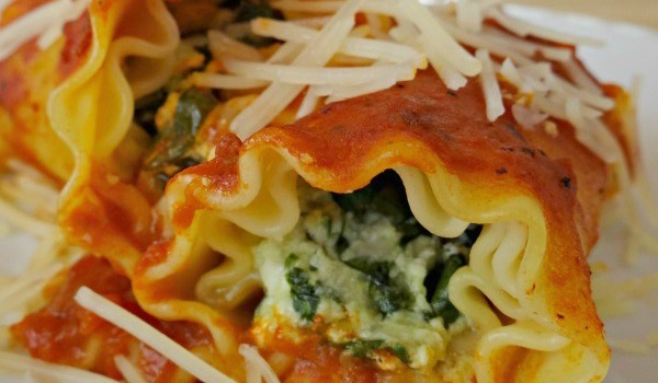 Spinach and 3 Cheese Lasagna Rolls! Plus Victoria Fine Foods Giveaway! #IngredientsComeFirst