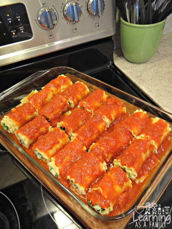 Spinach and 3 Cheese Lasagna Rolls in pan
