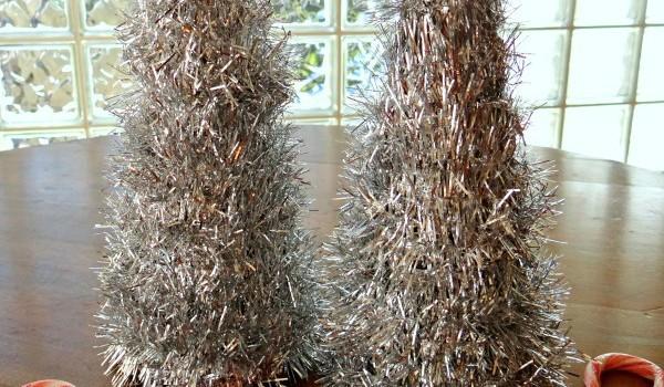 Handmade Garland Christmas Tree! Easy Craft With A Glue Gun!