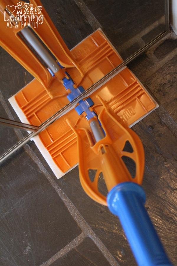 Brillo Sweep & Mop using Deep Cleaning Sponge