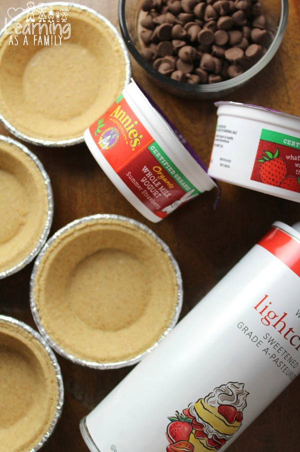Ingredients for Strawberry and Chocolate Mini Pies