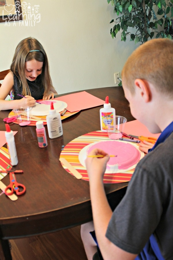 Creating Piggy Paper Plates